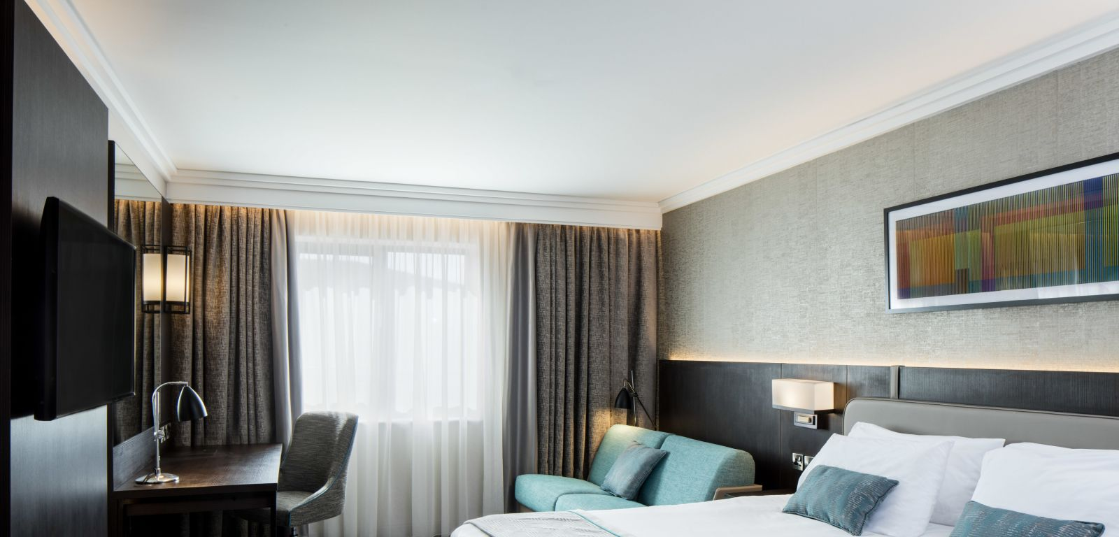 New luxurious sofabed bedroom at Crowne Plaza Belfast
