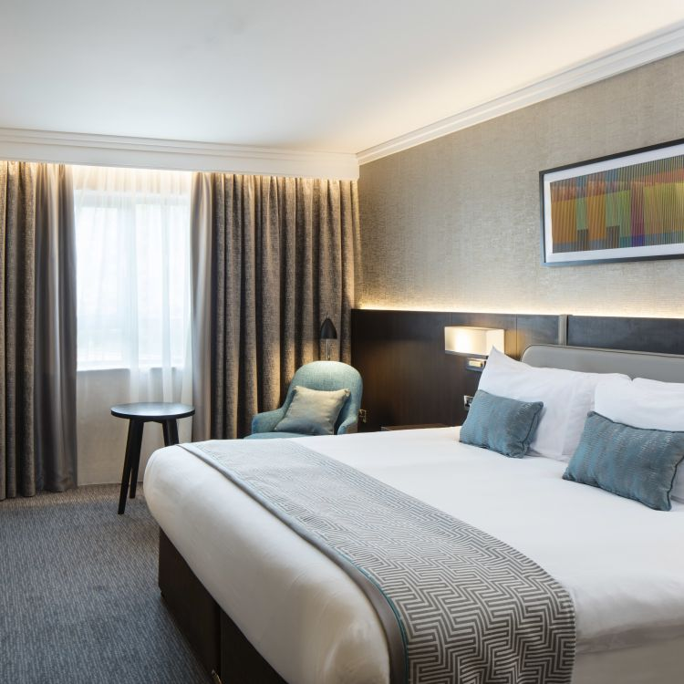 New luxurious king bedroom at Crowne Plaza Belfast